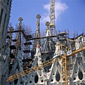 Construction of roof and spires at Sagrada Familia. Barcelona, Catalunya, Spain. 2001. Designed by Antoni Gaudi.