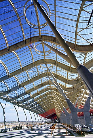 Steel structure The swooping wing profile shape is clear at the long main terminal by architect Rich