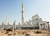 Final stages of construction of the Sheik Zayed Mosque