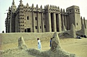 Traditional mud architecture - great mosque - city of Djenne - Mali