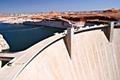 USA, Arizona: GLEN CANYON DAM near the city of PAGE. The Colorado River is being backed up  to Lake Powell for water supply and to generate electric power.