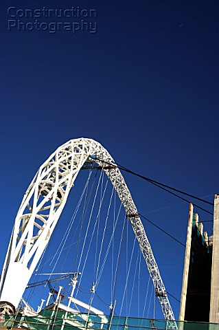 The arch under construction at Wembley Stadium
