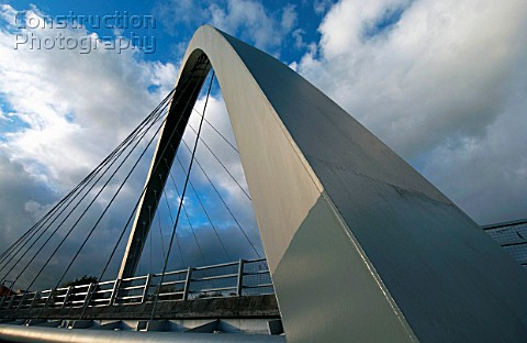 The awardwinning Hulme Arch Bridge in Manchester is a showpiece for the civil engineering profession