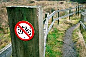 No cycling sign at the start of a footpath.