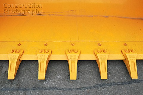 Front loader bucket detail