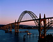 Oregon Coast, Yaquina Bay Bridge, Newport, Oregon, USA