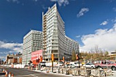 one park west apartments Liverpool One Development, The Strand, Chavasse Park, 17 storey, architect Cesar Pelli