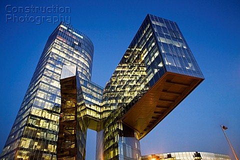 Night view of Torre Mare Nostrum Torre de Gas Natural Barcelona This office building of 86 meters he