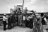 Syrian and Soviet construction workers laying a stretch of the Latakia-Qamishli railroad, Syria, 1976