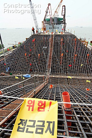 A148 00028 Construction Of Massive Pylon Foundations Fo