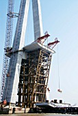 First deck segment about to be lifted at Sutong Bridge in China