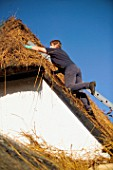 Thatched roof installation
