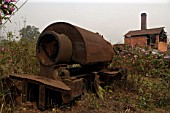 "Remains of a 20"" gauge Bagnall 0-4-0ST at the abandoned Ledo Brickworks in March 2007."