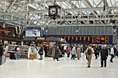 Glasgow Central Station. Concourse area. April 2005.