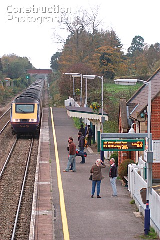 The Great Western Railway View from station footbridge at Pewsey as Plymouth  Paddington service app