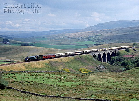 Cumbrian Mountain Express No 60009 Osprey heads north over Lunds viaduct en route from Appleby 2508